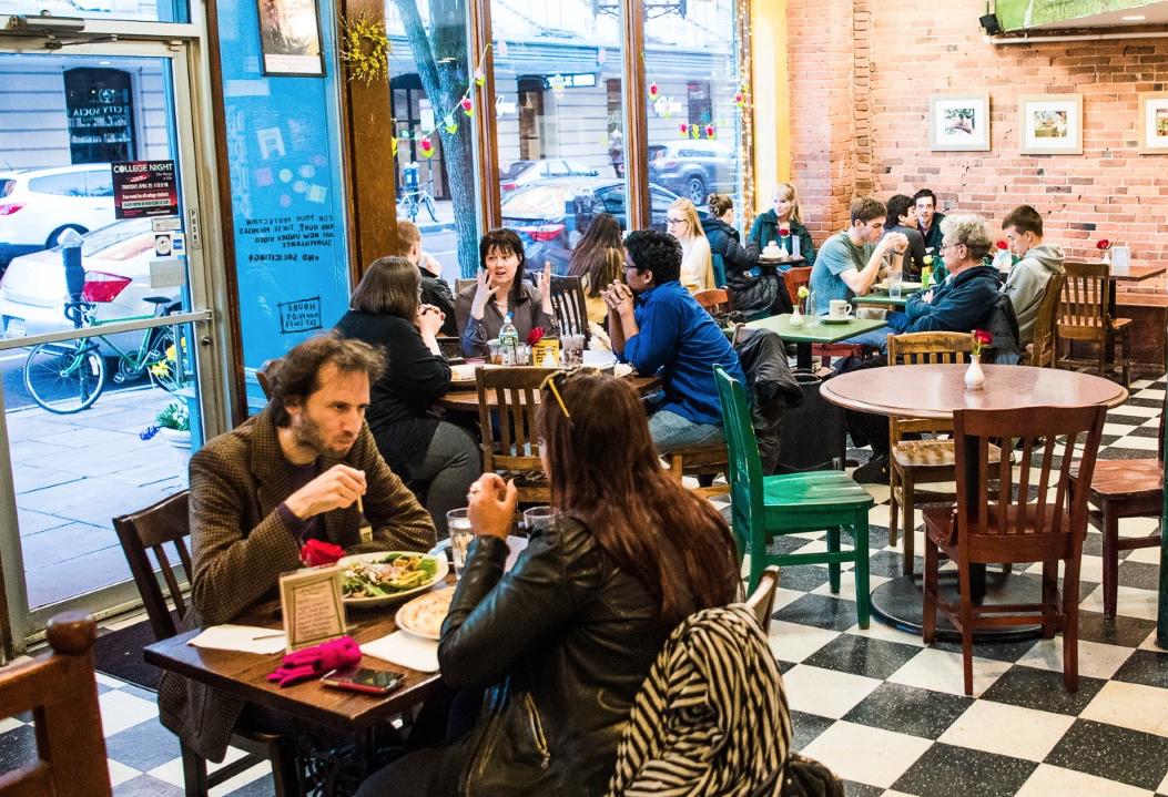Claire's Corner Copia draws health conscious customers to New Haven