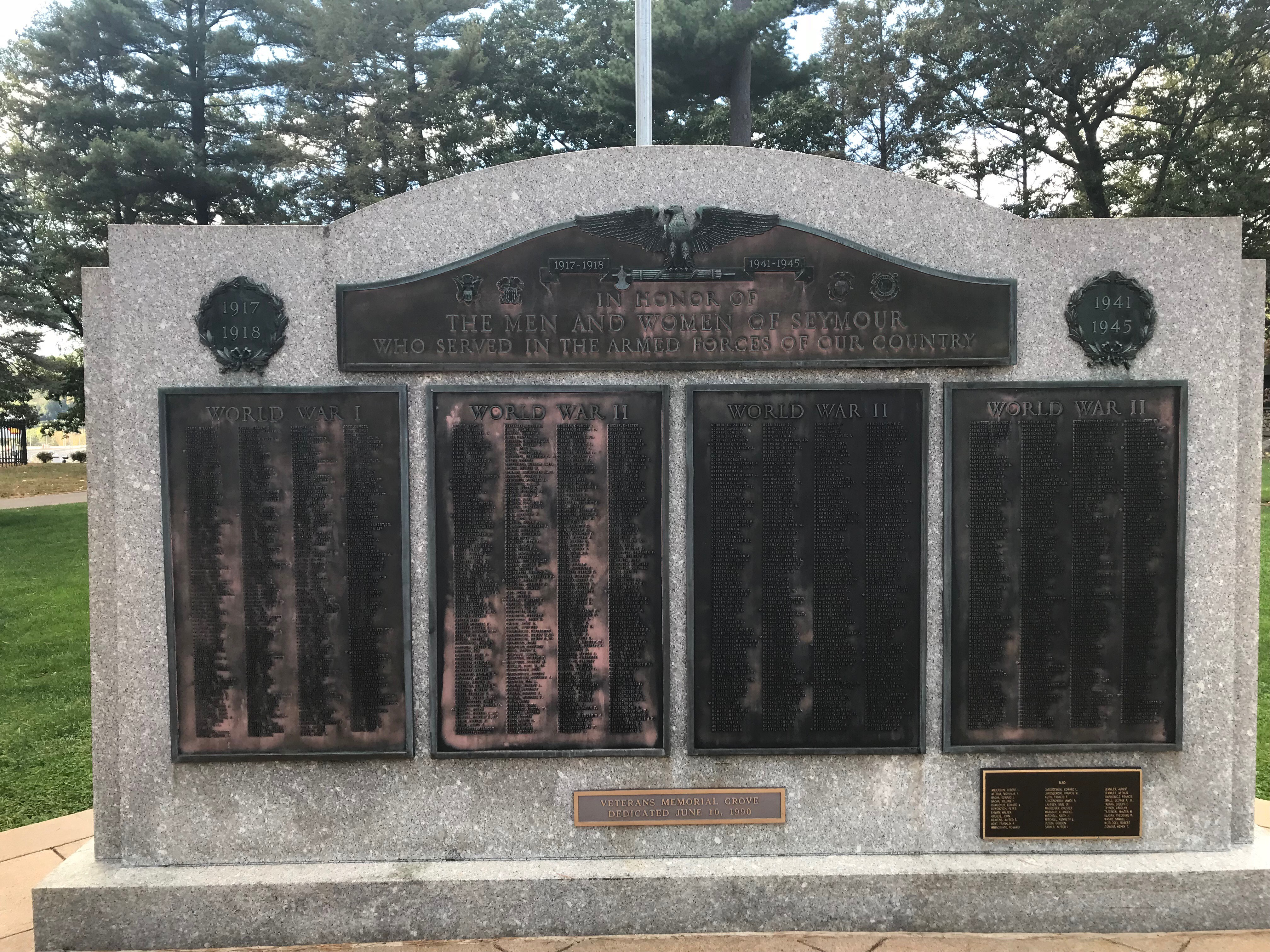 Seymour's World War I monument includes all wars