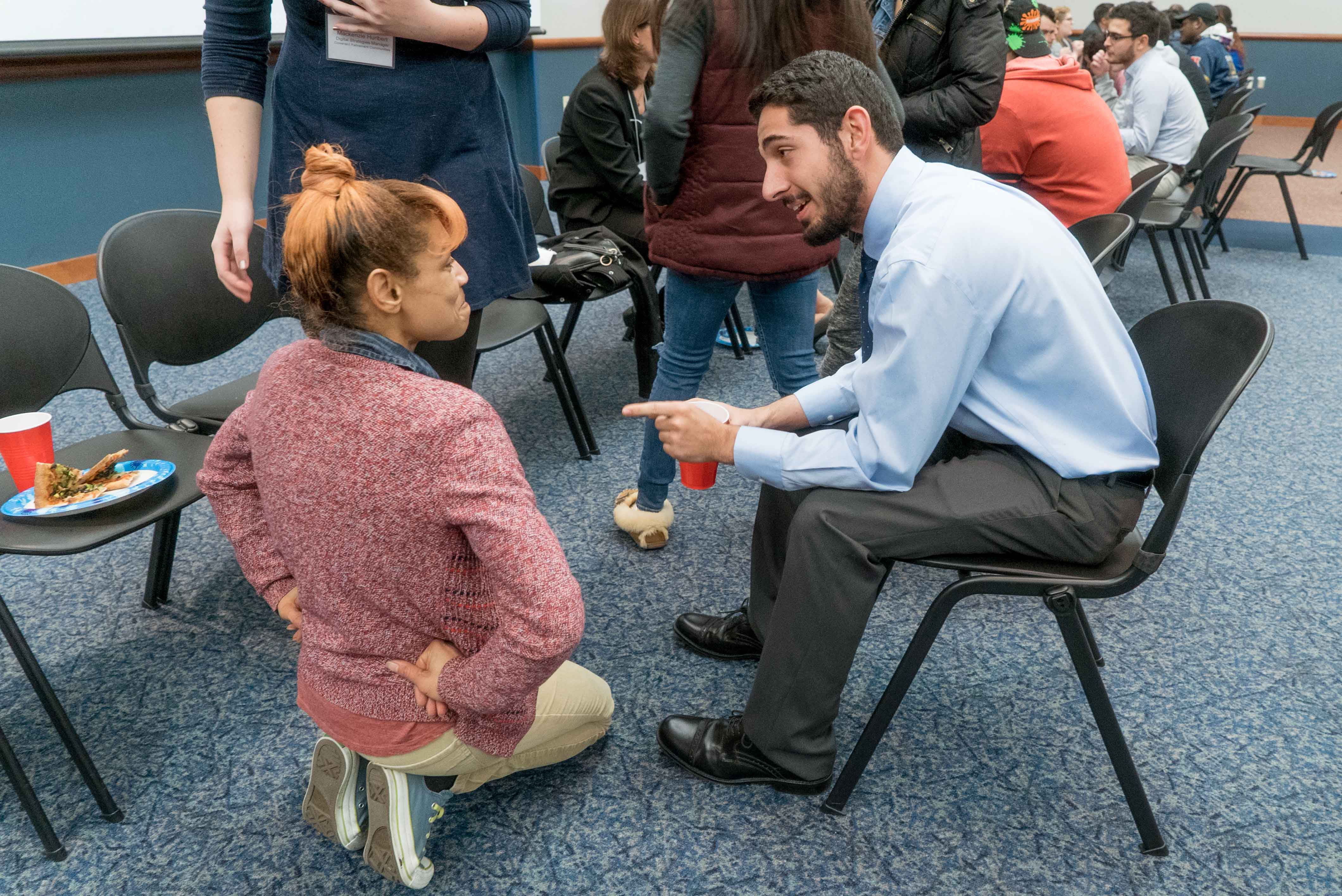 Journalism Alumni Night pairs students with professionals